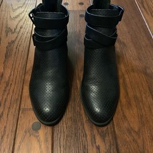Kenneth Cole Reaction Shoes - Kenneth Cole booties